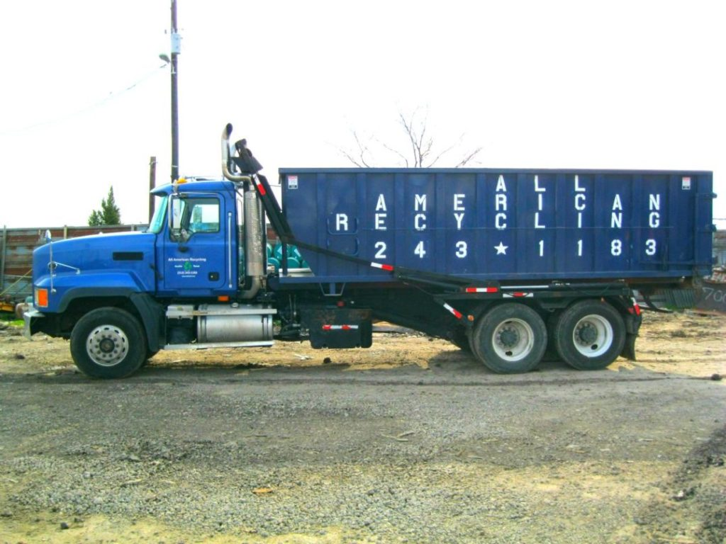 Commercial recycling Austin roll off truck